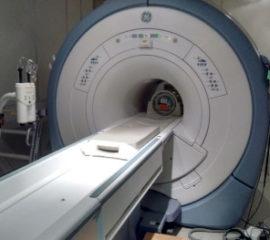 Foto traslado equipos médicos